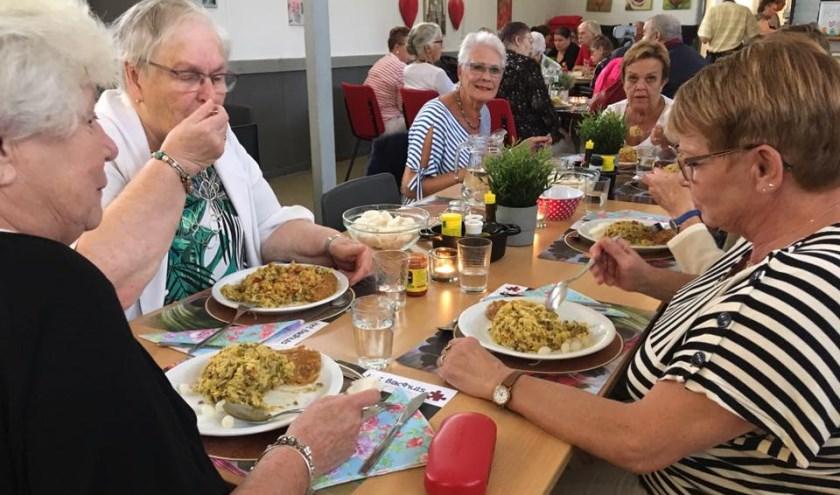 De Buurtmaaltijden worden heel erg gewaardeerd (Foto: PR)