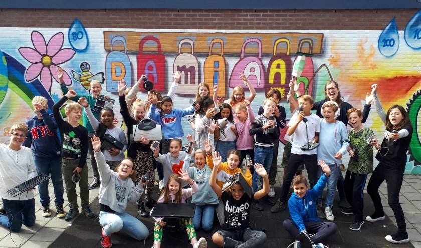 Enthousiaste leerlingen Damiaanschool doen mee met E-waste race!