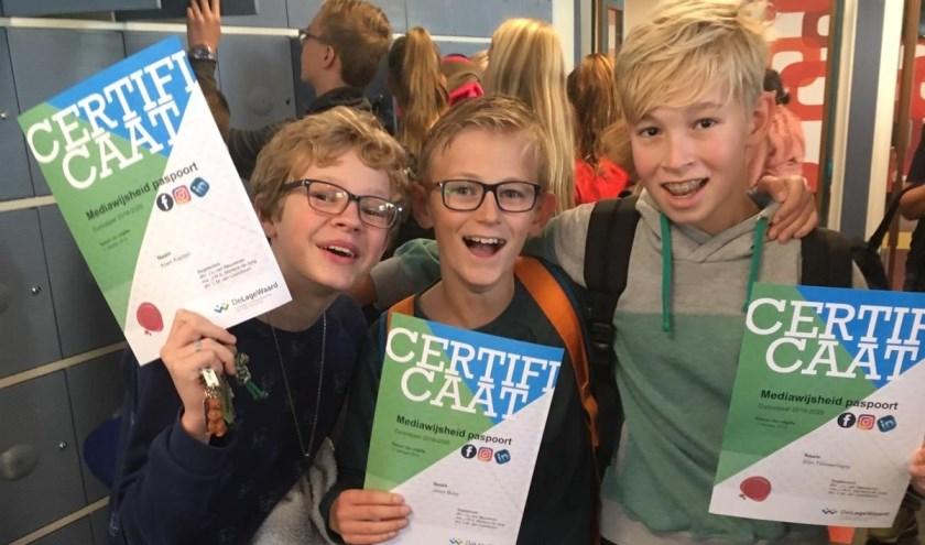 Koen, Jason en Stijn behaalden hun Mediawijsheid paspoort. (Foto: Privé)