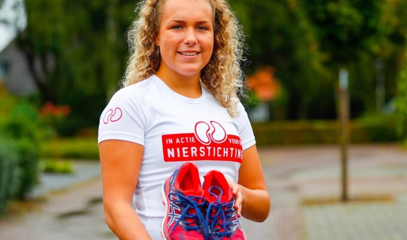 """Over het sponsoren, zegt Lise de Matter: """"Ik zit nu op 1.150,00 euro, dus dat is wel mooi, maar er mag nog meer bij!"""" FOTO: Bert Jansen."""