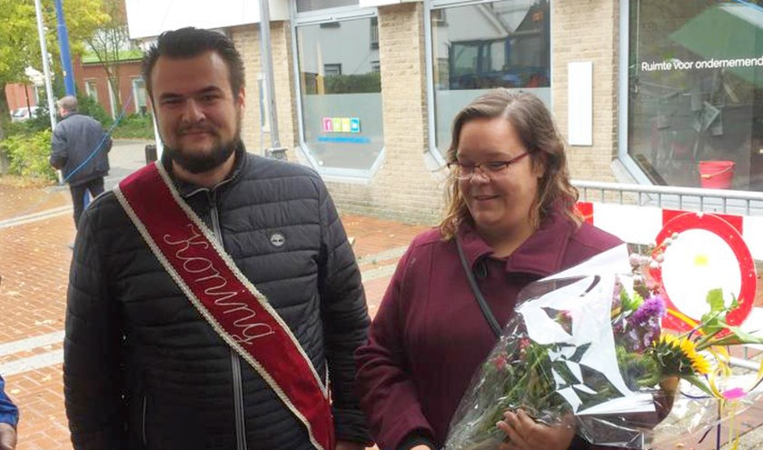 Koning Timo Somhorst en zijn koningin Inge.