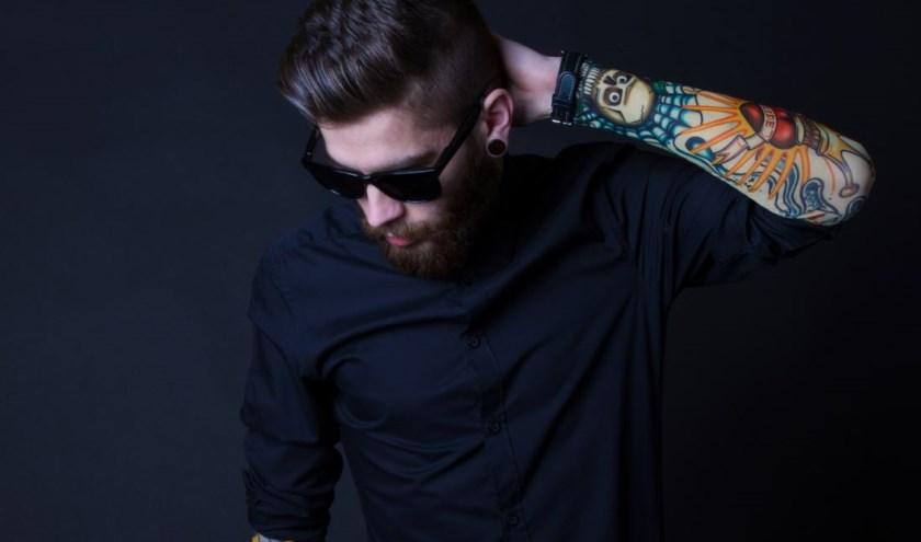 Met een zwart overhemd heb je een goede basis en kun je vele kanten op, zowel in de formele als de informele setting.