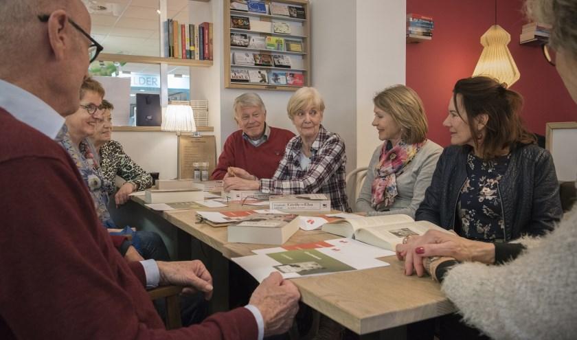 Er zijn plaatsen vrij in een recent opgerichte leesgroep literatuur in Vlissingen. FOTO: ARJANNEKE VAN DE BERG
