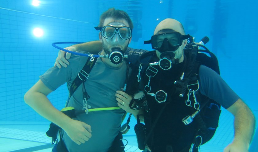 Op vrijdag 11 oktober kan jij zelf een proefduik maken in zwembad Reeshof (foto: Kruikeduikers)