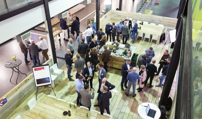 Bedrijven aangesloten bij InstallatieWerk Zuid-Holland bijeen om na te denken over de impact van de technologie van morgen.