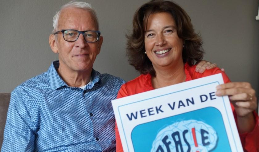 """Piet en Ellen Dijkhuizen vragen meer bekendheid voor Afasie, de aandoening waarbij het spraaktaalcentrum is aangetast na een herseninfarct. """"Hij kan niet meer praten."""" Tekst en foto: Winny van Rij"""