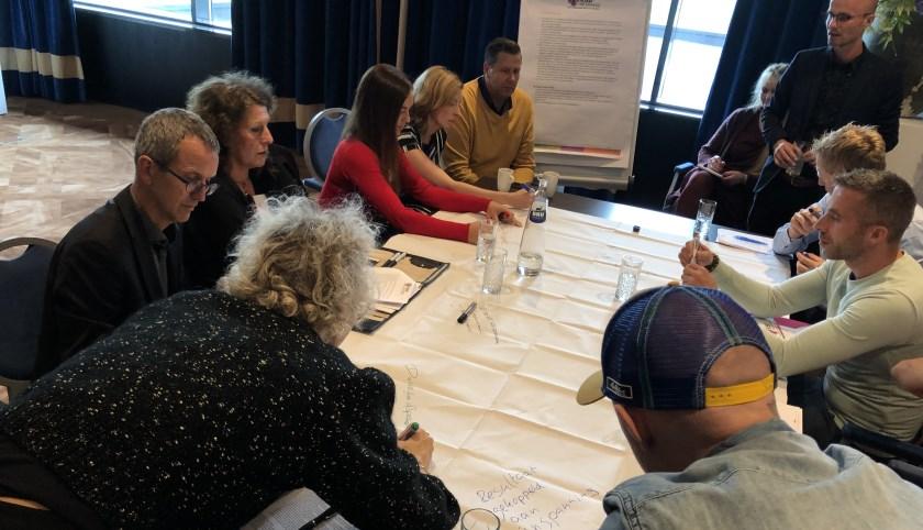 Deelnemers aan de Marktconsultatie discussiëren over diverse vraagstukken.