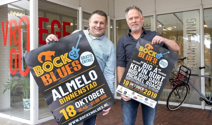 Robert Slim (links) en Brian van den Heuvel zijn de mannen achter het Bluesgebeuren in Almelo
