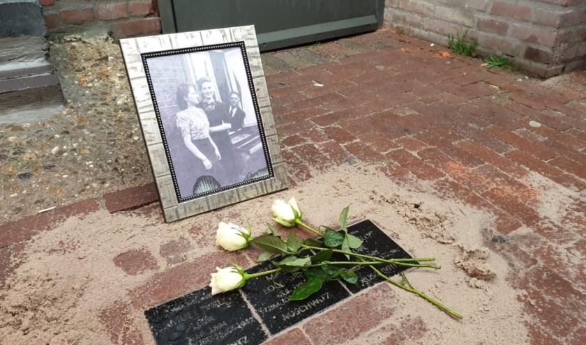 Op 25 en 26 september werden in Helmond maar liefst 21 struikelstenen onthuld.