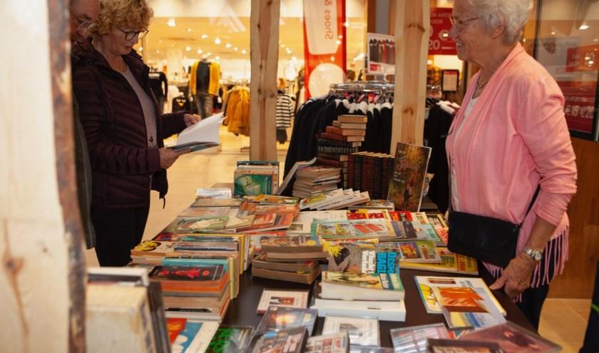 Boekenmarkt Scheepjeshof: kijken, kijken én kopen