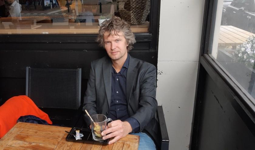 """Johan Molenaar: """"Onze zangeressen in de band geven de songs van Cohen nog meer  cachet."""""""