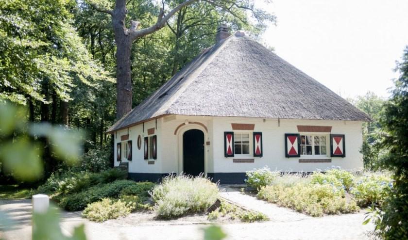 De Angorahoeve. Luister hier zondag naar muziek van zangeres Anneke de Bruijn en toetsenist Pieter van Boogaert. Foto: Sandragrafie.