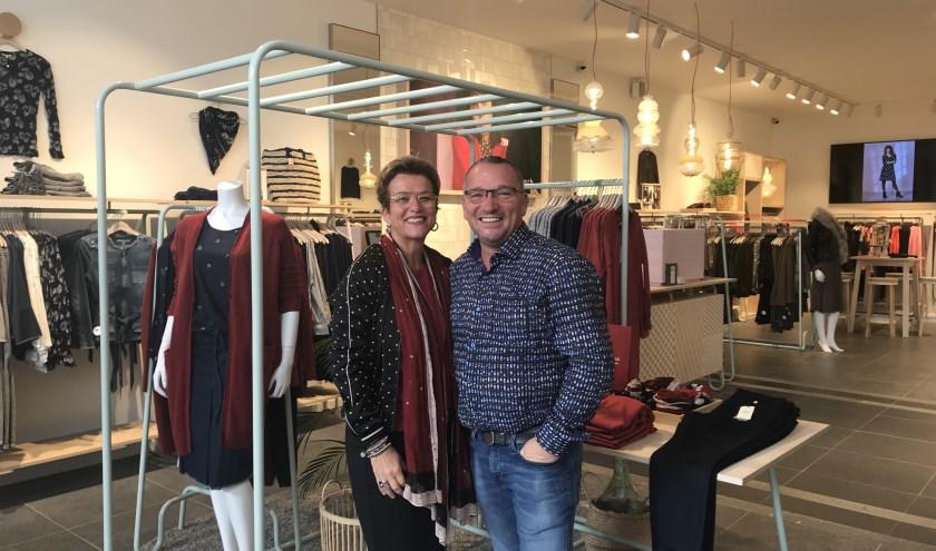 Leon Videler en zijn vrouw Miranda van Alpen zijn enorm trots op hun verbouwde Sandwich-zaak in Designer Outlet Roosendaal.