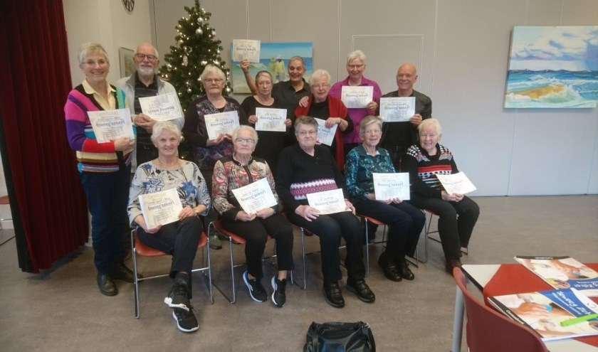 De geslaagden na afloop van de cursus vorig jaar. Dit jaar start er in Rekken weer een Beweeg Zeker cursus voor 65-plussers.