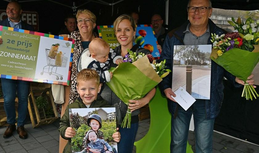 Wethouder Carla Koers (vlnr), de prijswinnaars Benjamin, Sebastiaan, Priscilla Roukema en Alex van Marwijk.