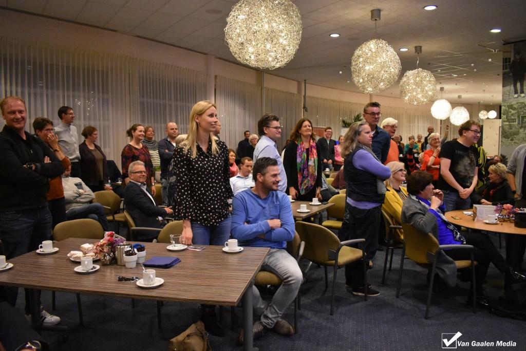 De aanwezigen tijdens de quiz 'Wat weet u over de gemeente Wierden?' Foto: Van Gaalen Media (niet rechtenvrij) © DPG Media