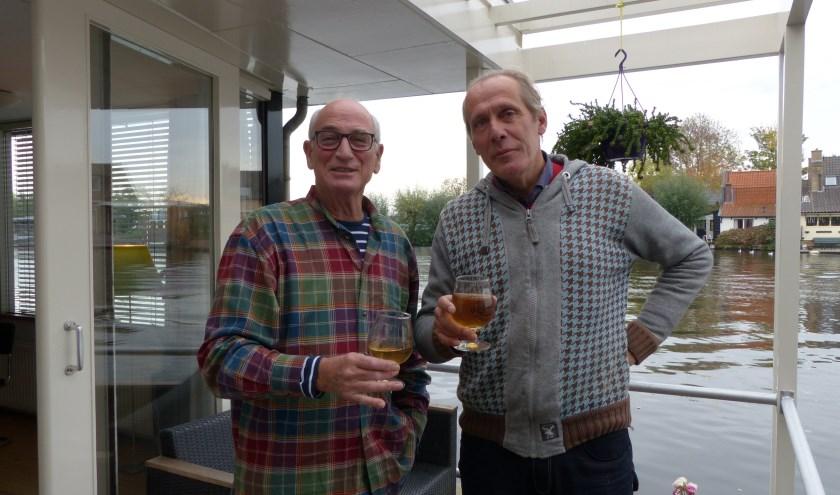Co van der Meer en Rene Zanderink houden de bierverkiezing op vrijdag 15 november in Loenen aan de Vecht. Eigen foto
