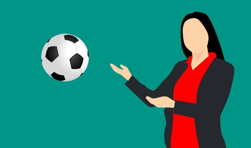 De KNVB wil zoveel mogelijk meiden en vrouwen enthousiast maken voor voetbal.