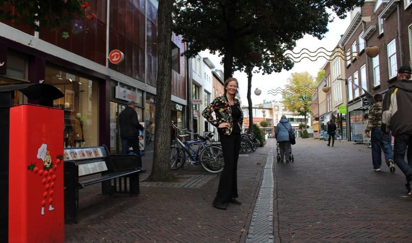 Onze nieuwe evenementen-manager in 'haar' winkelstraat, samen met de binnenstadsmanager gaat ze zeker mooie projecten realiseren.