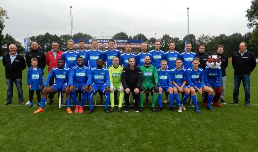 Afgelopen zaterdag werd de traditionele elftalfoto van SVCapelle 1 weer gemaakt.