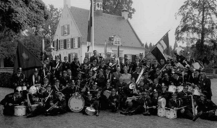 'De Vriendschap', tegenwoordig een muziekvereniging, bestaat 170 jaar: over die jaren verschijnt binnenkort een boek, dat verkrijgbaar is o.a. bij 't Bint in Oirschot en De Klumpkes in Middelbeers.
