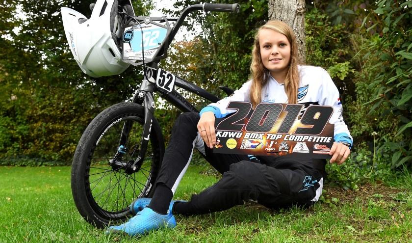 Michelle Wissing uit Ulft won de Nederlandse topcompetitie. (foto: Roel Kleinpenning)