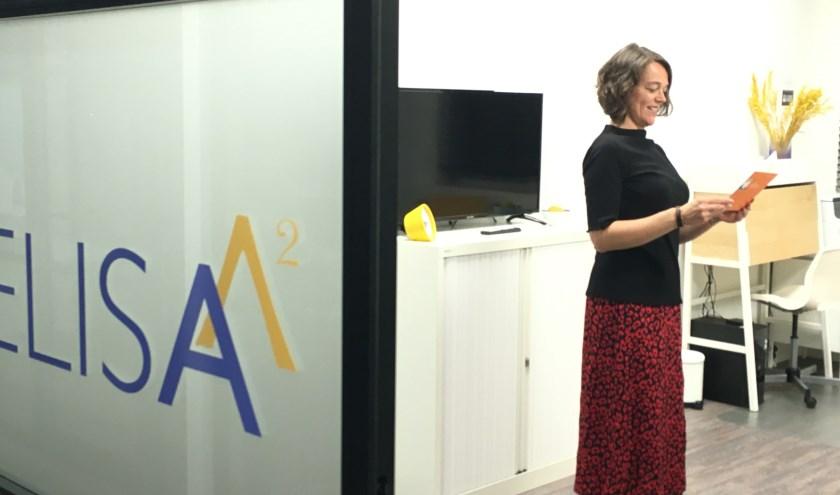 Rianne Jansen op het nieuwe kantoor van ELISA^2, Welkom aan de Vijftien Morgen 7-9 Veenendaal.
