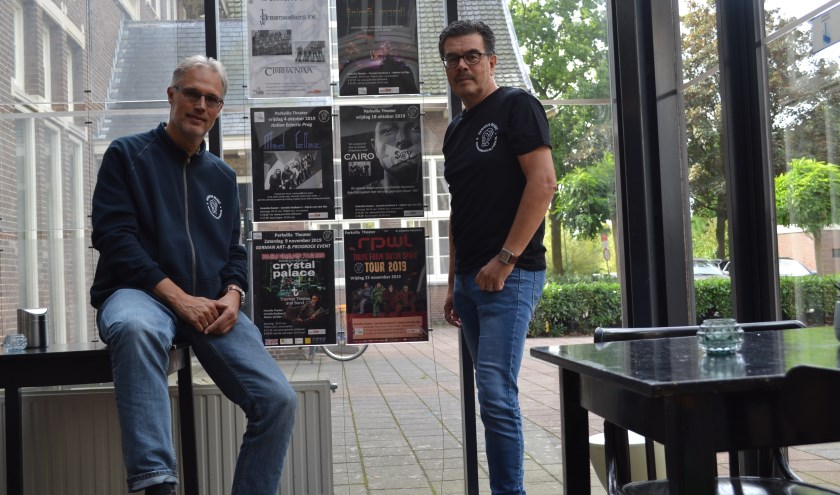 Links Lenne Huisman, rechts Hans van Oosten. Donateur/vrienden worden? Meld je aan via www.seriousmusicalphen.nl.