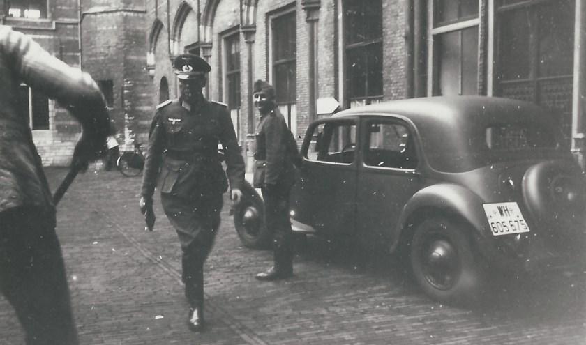 Het Markiezenhof, met rechts de ruimten waar de gijzelaars zaten. foto: collectie D.C. Canne