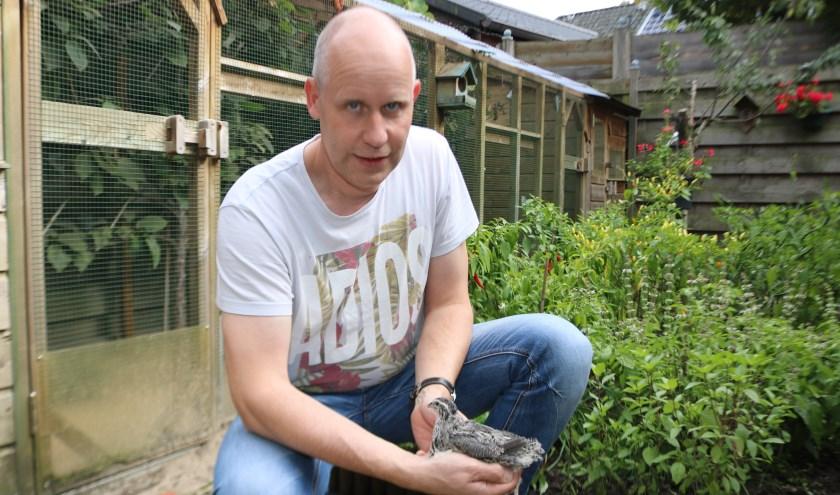 Voorzitter van de Klein dierenvereniging PEKLO, Freddie Bettink. (Foto: Arjen Dieperink)