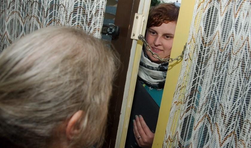 Door middel van een babbeltruc proberen sommige mensen met minder goede bedoelingen ergens binnen te komen. (Foto: Auke Pluim)