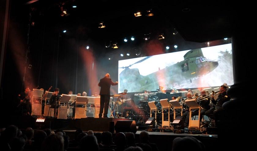 Het orkest van de Koninklijke Luchtmacht geeft binnenkort een benefietconcert in HAL12. (foto: Koninklijke Luchtmacht)
