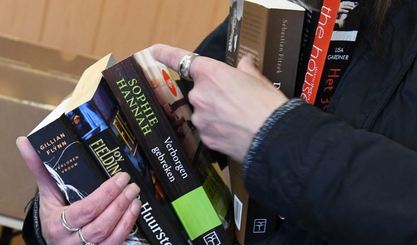 Boeken scoren tijdens de boekenmarkt Koers van Oers.