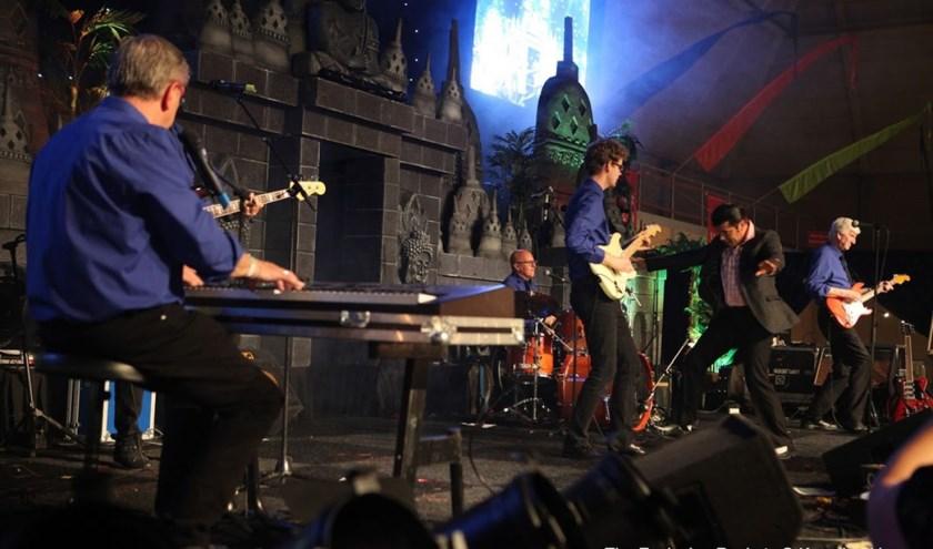 The Explosion Rockets verzorgen op zondagmiddag 6 oktober een spetterend optreden in De Sterin Nieuwkuijk. Foto: Kees Lankhaar