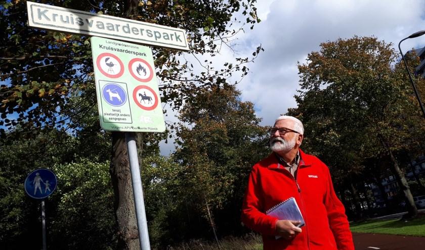 """Overbuurman Jan van der Poll dook in de oorlogshistorie: """"Dit park dankt zijn naam aan de bominslag, deze week precies 75 jaar geleden."""""""