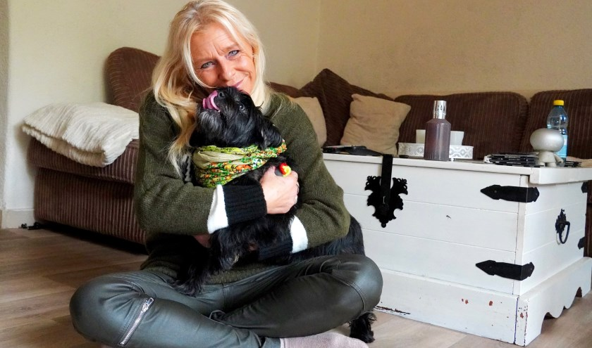 Onlangs was het hondje van een vriendin van Simone vermist. Na een oproep in de groep hielpen veel leden met zoeken. Gelukkig kon ook Bollie (foto) worden herenigd met zijn baasje! (Foto: Britt Planken)
