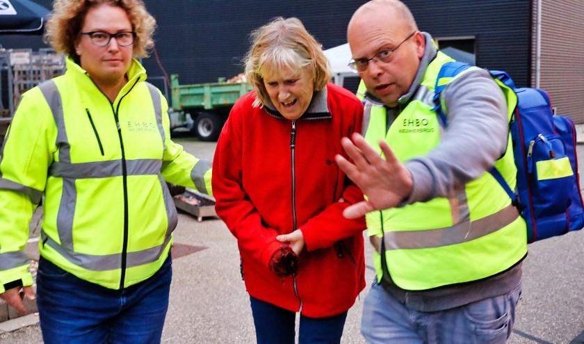 Een figurant raakte haar hand kwijt tijdens het openen van de roldeuren. Foto: Wim de Boevère