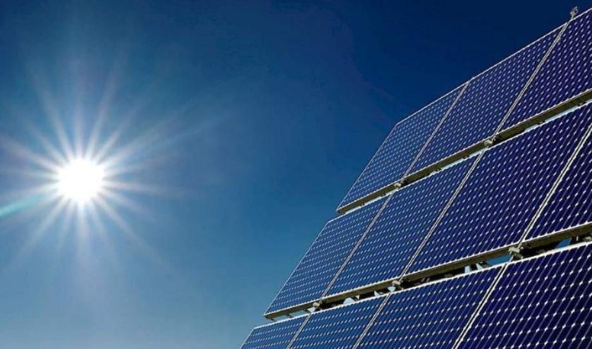 Voor de zonnepaneelprojecten zoeken stichting Zon op Oirschot geschikte daken (huur 15 jaar) om minimaal 300 panelen te kunnen plaatsen. Foto: Michael Stallvord