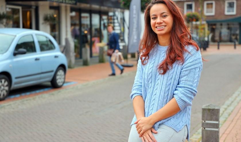 Melanie Koelemans is helemaal thuis in de Kromstraat. (Foto: Bert Jansen).