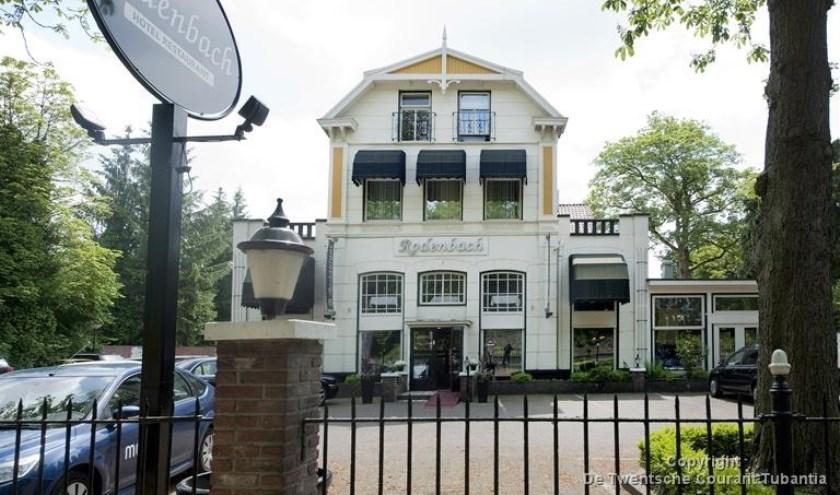 Drie historische verenigingen vragen de gemeente voormalig Hotel Rodenbach aan te wijzen als monument.