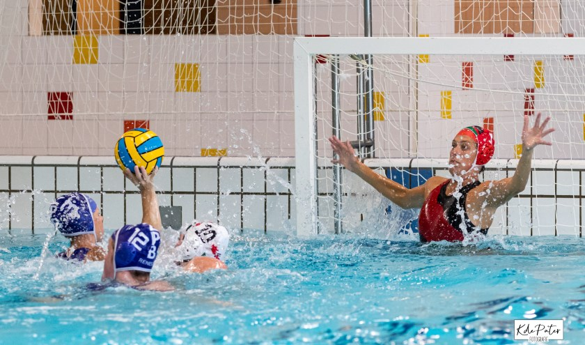 Keepster Tosca Kortleve in actie.