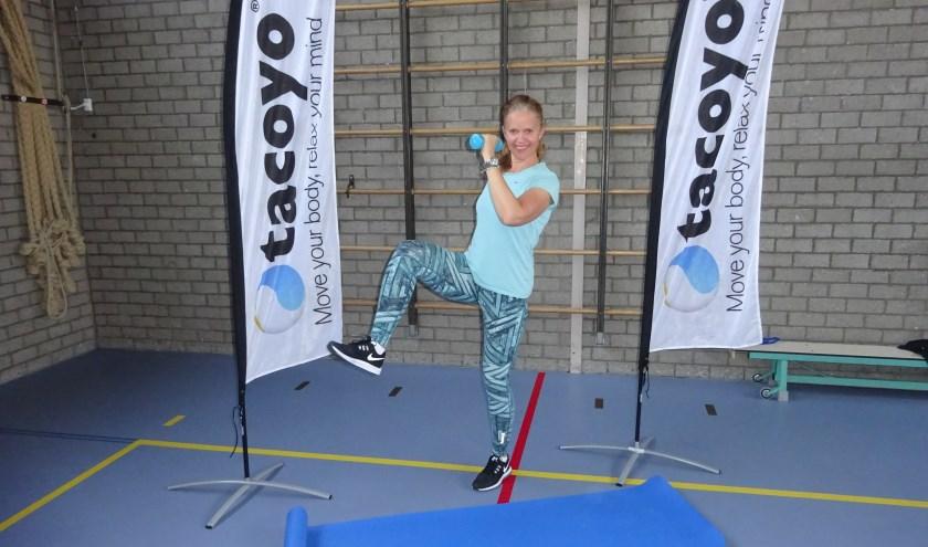Anneke van Wijk in de gymzaal op het Fortes Lyceum. (Foto: Eline Lohman)