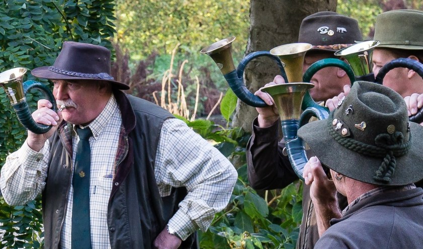 Zondag 3 november: een demonstratie jachthoornblazen bij Kasteel-Museum Sypesteyn. Foto: Kasteel-Museum Sypesteyn