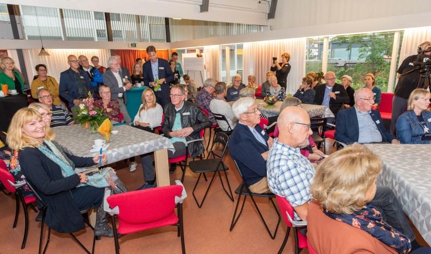 Tijdens de opening. (Foto: Izaak van den Berg)