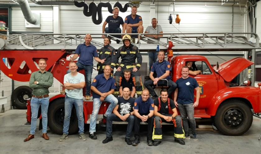 Een aantal brandweermannen/vrouwen die nu vrijwilliger zijn in Boskoop.