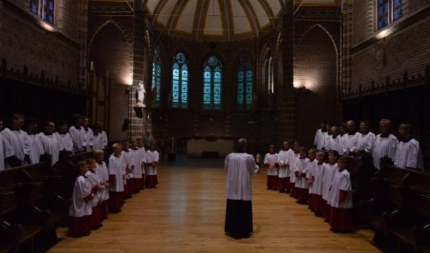 Het Jongenskoor Dalfsen, dat zijn medewerking verleent aan het jubileumconcert van Vocal Devotion. Een bijzondere combinatie en zeker het bijwonen waard.