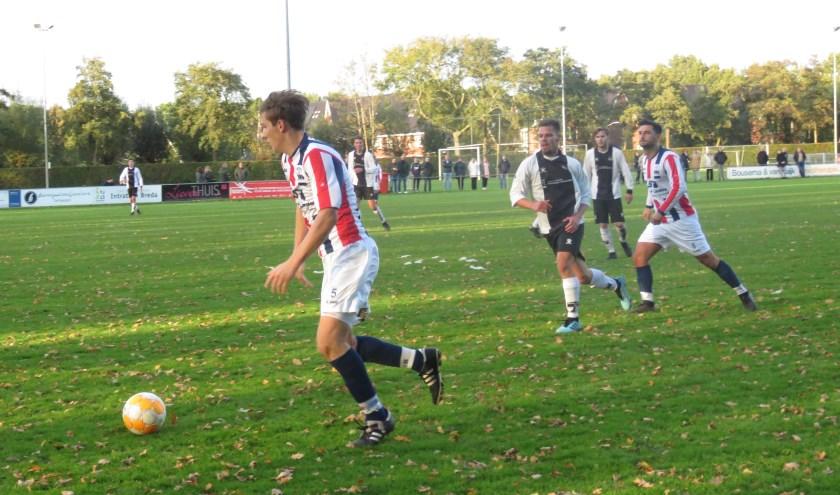 RWB won zondag uit tegen Terheijden met 2-4.