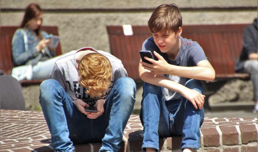 Kinderen tussen de 13 en 18 jaar besteden 7 uur en 42 minuten per dag besteden aan social media. (Foto ter illustratie / Pixabay)