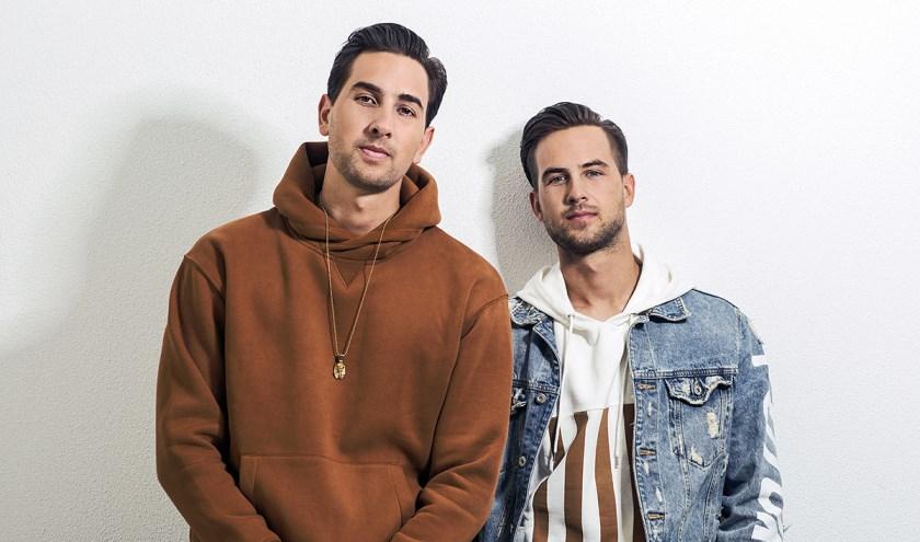 De mannen van Team Rush, headliner van het Halloween-feest, maken een eclectische mix van moombahton, dancehall, house en urban.