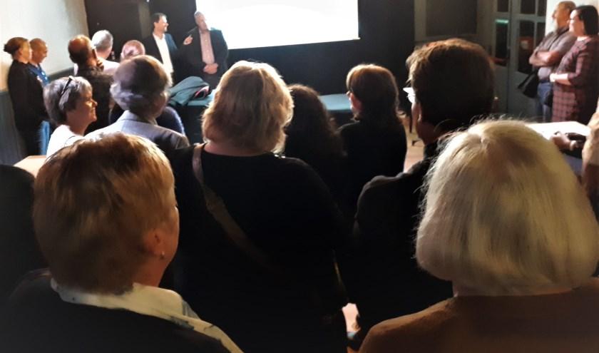 Formateur Marco Kooiman en Wethouder Martijn Heezen openen de 1e bijeenkomst. Weer een stap richting het Akkoord van Albrandswaard